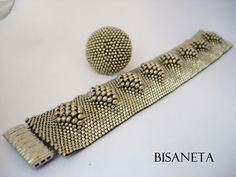 Beaded bracelet by Bisaneta © using glass seed beads, and perhaps created using the peyote (gourd) stitch. Beaded Bracelet Patterns, Peyote Patterns, Seed Bead Bracelets, Seed Bead Jewelry, Bead Jewellery, Beading Patterns, Seed Beads, Beaded Jewelry Designs, Bead Jewelry