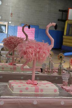 A que esta es una sorprendente decoración de tarta!... / Now this is a surprising cake decoration!