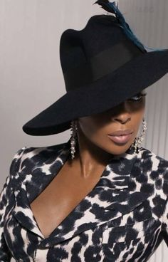 Singer Mary J Blige wearing a large Fedora hat. Gq, Lady, Mary J, Stylish Hats, Church Hats, Love Hat, We Are The World, Black Girls Rock, Headgear