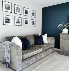 Blue Living Room Decor, Grey Lounge, Gallery Wall, Design Inspiration, House Design, Couch, Throw Pillows, Bed, Lounge Ideas