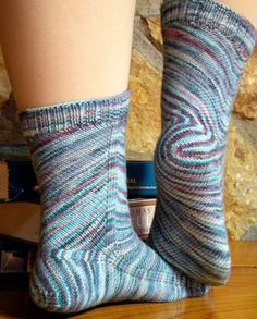 Skew takes the concept of the bias design element to a new extreme by turning the entire architecture of the sock, including the heel, on the diagonal. Knitty Winter 2009