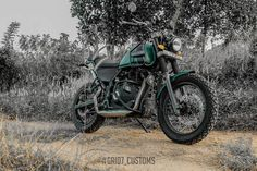 Modified Royal Enfield Himalayan features new performance exhaust system, runs on different set of tyres and adorns a military green pain job Himalayan Royal Enfield, Royal Enfield Modified, Enfield Motorcycle, Forest Green Color, Green Color Schemes, Green Bodies, Mode Of Transport, Cars, Panniers