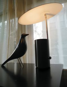 Re-issue George Nelson 'Half-Nelson' lamp
