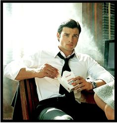 Yummm i love chinese! And tom welling!!!!!