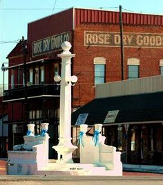Wills Point Texas  Rose Dry Good and Rose Monument
