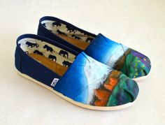Custom Hand Painted Mountain Outdoor Theme Toms