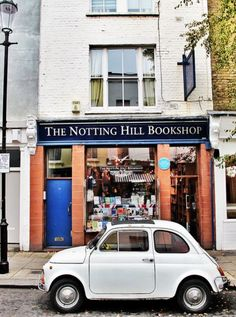 The infamous Travel Bookshop - sadly no longer the great bookshop it was during the filming of the movie Notting Hill. Nonetheless there is always a crowd of tourists outside taking pictures of themselves in front it...