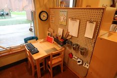 Pegboards: Brilliant Ideas for Organizing Loose Parts Writing Center Preschool, Preschool Set Up, Preschool Classroom Decor, Classroom Design, Classroom Ideas, Preschool Kindergarten, Reggio Emilia Classroom, Reggio Inspired Classrooms, Fairy Dust Teaching