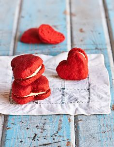 Pin for Later: 28 Bite-Size, Party-Ready Dessert Recipes Red Velvet Melting Moments Get the recipe: red velvet melting moments Mini Dessert Recipes, Mini Desserts, Just Desserts, Macarons, Melting Moments Cookies, Vegan Wedding Cake, Red Velvet Cookies, Valentines Day Food, Cookies Et Biscuits