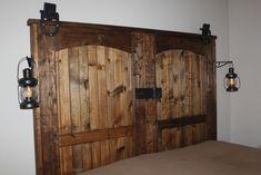 "How to build a rustic barn door headboard DIY.Our completed ""new"" old barn door headboard Diy Home Decor Rustic, Diy Home Decor Bedroom, Country Decor, Bedroom Ideas, Rustic Crafts, Bedroom Designs, Country Style, Room Decor, Wall Decor"