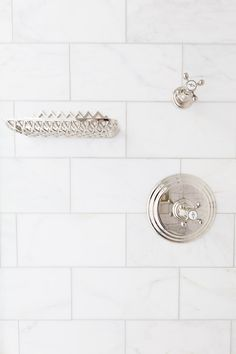 Gorgeous walk in shower features honed white marble tiles lined with a polished … – Marble Bathroom Dreams Walk In Bathroom Showers, Marble Showers, Walk In Shower, Tile Showers, Bling Bathroom, White Marble Bathrooms, Powder Room Decor, Powder Rooms, Classic Bathroom
