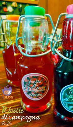 Il liquore e grappa alla melagrana si preparano facilmente con la melagrana, e possono essere deliziose idee per regali home made di Natale.