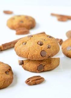 HEALTHY PUMPKIN CHOCOLATE CHIPS COOKIES vegan + gluten free #pumpkincookies #pumpkin #cookies #vegancookies #easy #healthy #vegan #glutenfree #soft #chocolatechips #6ingredient #best #videos Gluten Free Pumpkin Cookies, Cookies Vegan, Healthy Cookies, Healthy Sweets, Healthy Chocolate Chip Cookies, Pumpkin Chocolate Chips, Chocolate Chip Recipes, Chocolate Chip Oatmeal, Vegan Desserts