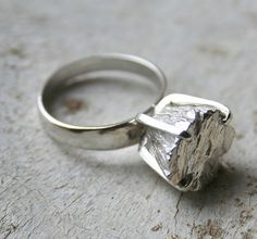 rock solid ring - look a little closer at the bling part!