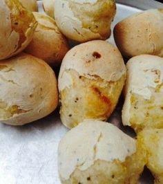 Pão de queijo vegano com chia e mandioca