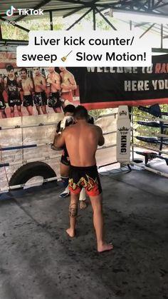Martial Arts Muay Thai Technique: Catch the Kick and Sweep Muay Thai Techniques, Boxing Techniques, Fight Techniques, Martial Arts Techniques, Mma Workout, Kickboxing Workout, Gym Workout Tips, Body Workouts, Mixed Martial Arts Training