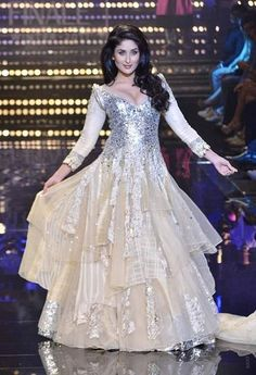 Kareena Kapoor...she looks like a princess