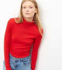 Red Ribbed Turtle Neck Jumper