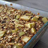 Baked Apple Cinnamon Oatmeal by Serious Eats