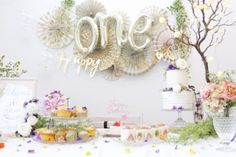 GARDEN Clipする Birthday Fun, Birthday Parties, Botanical Gardens, First Birthdays, Arch, Bloom, Party Ideas, Table Decorations, Girls