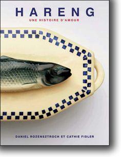 Hareng, une histoire d'amour : voilà un petit livre à croquer bien palpitant, oserais-je dire « frétillant », ouvrage de 10 simples recettes, mais surtout publication richement illustrée, sorte d'autobiographie nostalgique de deux amoureux de ce poisson emblématique, « roi du carême », péché de la mer Baltique à l'océan Atlantique en passant part la Manche et la mer du Nord : le seigneur le hareng. Un article à lire ici : http://lecoeurauventre.com/quand-le-hareng-sort-les-crevettes-dansent