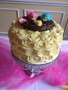 Adorable baby shower cake! WOW!