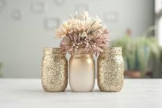 3 Gold Glitter Vases Gold Glitter Centerpiece Gold Home Decor Gold Mason Jar Vases Gold Home Decor Gold Wedding Decor Gold Vases Decor Glitter Mason Jars, Mason Jar Vases, Painted Mason Jars, Mason Jar Crafts, Pot Mason, Glitter Centerpieces, Wedding Centerpieces Mason Jars, Gold Wedding Decorations, Centerpiece Ideas