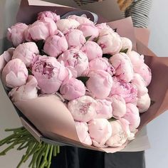 Things to Know about Deals on Valentine's Day Flowers Online Luxury Flowers, Fresh Flowers, Pink Flowers, Beautiful Flowers, Bouquet Flowers, Art Flowers, Exotic Flowers, Yellow Roses, Pink Roses