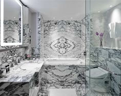 Discover the city centre in style at the London Marriott Hotel Park Lane. Hyde Park, Arabescato Marble, Marble Suppliers, Marriott Hotels, London Hotels, Luxury Accommodation, Marble Floor, Hospitality Design, Interior Design Inspiration
