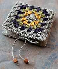 Needle book (i don't know why this wants me to sign in to yahoo, but i think i can figure out how to make one of these... ~lvt)