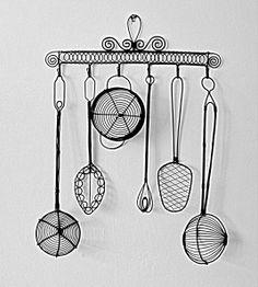vešiak náradie Wire Crafts, Wire Art, Copper Wire, Wind Chimes, Miniatures, Sculpture, Outdoor Decor, Home Decor, Wire Sculptures