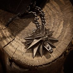 Images and details for The Witcher 3: Wild Hunt Medallion and Chain - Game Idealist