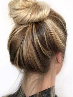 Top leading ideas for top bun hairstyles trends 2018 best looks from the spring Blonde Highlights Long Hair, Golden Blonde Hair, Blonde Bun, Spring Hairstyles, Teen Hairstyles, Blonde Hair Colours 2018, Hair Color, Blonde Color, Medium Hair Styles