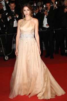 16 May Ana de Armas wore a princess-like nude gown by Miu Miu to the premiere of Hands of Stone.   - HarpersBAZAAR.co.uk