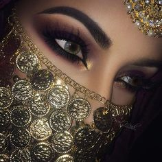 The Beauty Database Arabian Eyes, Arabian Makeup, Arabian Beauty, Makeup Goals, Makeup Tips, Makeup Ideas, Bridal Makeup, Wedding Makeup, Makeup Art