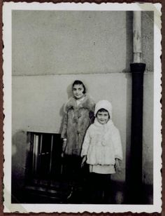 Anne and Margot Frank, Frankfurt - 1932