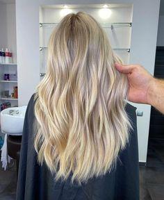 Blonde Hair Shades, Blonde Hair Looks, Beige Blonde, Brown Blonde Hair, Brown Hair With Highlights, Hair Color Guide, Hair Colour, Good Hair Day, Balayage Hair