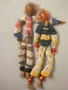 "MONDOBLOGO: toys of the avant-garde Alma Siedhoff-Busher ""Two Wooden Dolls"" (1924)"