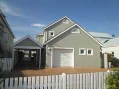 Contact  on 044 382 0301 for more information. 3 Bedroom House, One Bedroom, Enclosed Patio, Knysna, Ground Floor, Living Area, Islands, Shed, Outdoor Structures
