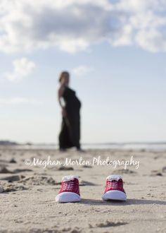 MATERNITY SHOOT ON THE BEACH