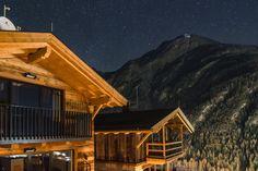 The Peak Sölden Chalets und Ferienwohnungen - so eine Aussicht gibt es bei uns Area 47, Cabin, House Styles, Home, Decor, Chalets, Move Mountains, Nature Activities, Ice Climbing
