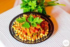 Duszone warzywa z ciecierzycą. #Przepis na blogu: http://www.jagodowyfitstyl.pl/2015/04/ciecierzyca-w-roli-gownej-3-proste.html #ciecierzyca #zdrowie #zdroweodżywianie #jedzenie #przepisy