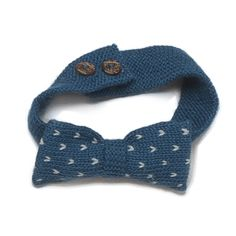 Alpaca Bow Tie - Teal & Light Grey    Handknit bowtie with button closure *2 buttons provide a tighter and looser fit.    Our knits are made in Bolivia by a self-managed community of indigenous women. In line with fair trade principles, our artisans are paid a living wage, which enables them to afford healthcare and education for thei...