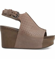 4fa8cefa575 Main Image - OTBT Jaunt Platform Wedge Sandal (Women)