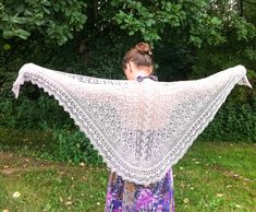 The Andrea shawl knitting pattern (with optional beads) - knitting.today