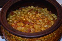 Ελληνικές συνταγές για νόστιμο, υγιεινό και οικονομικό φαγητό. Δοκιμάστε τες όλες Greek Dishes, Side Dishes, Greek Recipes, Chana Masala, Feta, Easy Meals, Food And Drink, Yummy Food, Delicious Recipes