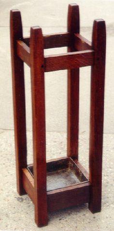Gustav Stickley umbrella stand c1900