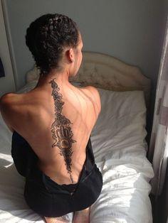 http://tattoomagz.com/back-tattoo/henna-on-the-back/ http://tattoo-ideas.us/back-tattoos/