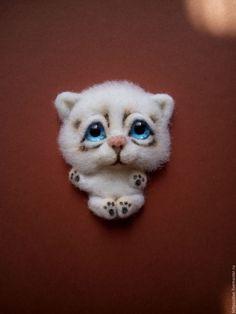 Купить Брошь валяная Белый Котенок (шерсть) - белый, котенок, валяный котенок, брошь