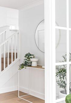 Interior Design Inspiration, Home Interior Design, Interior Styling, Interior And Exterior, Design Ideas, Hamptons Style Homes, Hamptons House, The Hamptons, Foyer Decorating